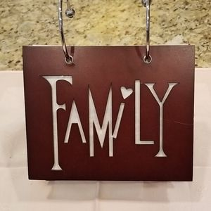 unknown Accents - Family photo holder